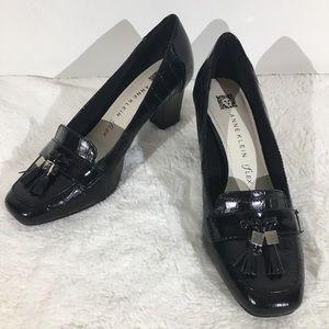 Anne Klein iflex Black Leather Loafer Heels - 6M